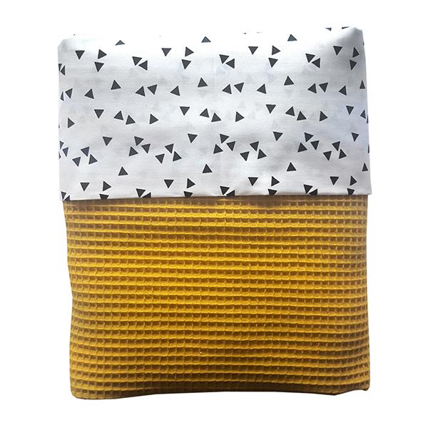 ledikant deken wafelstof babykamer triangel zwart op wit