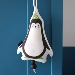 Muziekhanger Babykamer Feestbeest Pinguin groen ANNIdesign