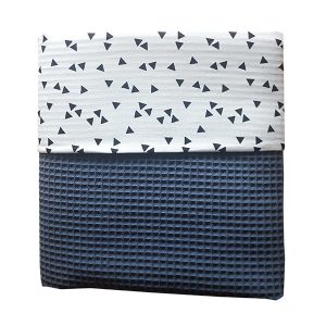 Ledikant deken_triangel op wit_wafelstof donker oud blauw_ANNIdesign