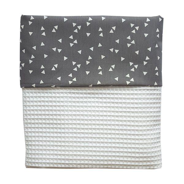 Ledikant deken Babykamer_triangel grijs_wafelstof helderwit_ANNIdesign
