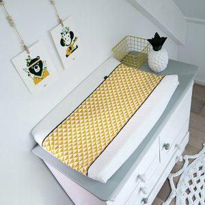 Aankleedhoes driehoek oker geel wafelstof ANNIdesign sfeer