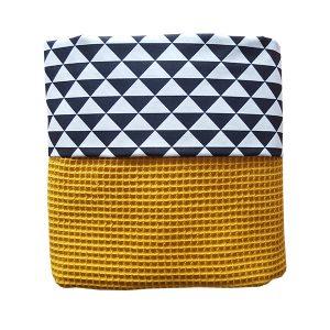Ledikant deken Driehoek zwart_Wafelstof oker_ANNIdesign