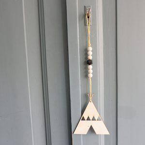 Houten hanger Tipi geel ANNIdesign 01