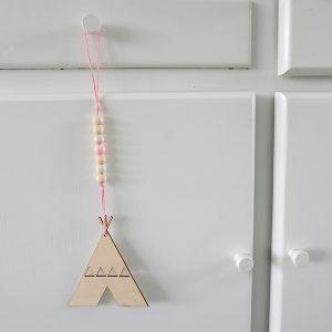 Houten hanger Tipi roze ANNIdesign 01