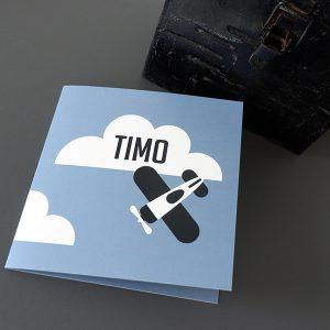 Geboortekaart Vliegtuig en wolken jeans blauw ANNIdesign 01