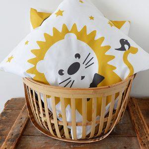 Kussen Circus Leeuw oker geel ANNIdesign voor